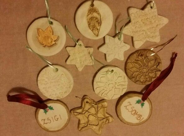 Karácsonyfadíszek porcelángyurmából