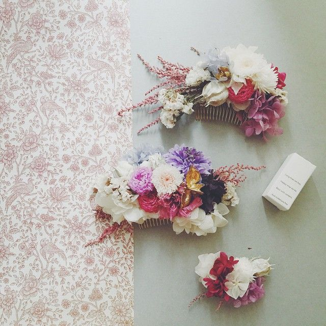 和装用headdress3点  今夜23:00up予定です。  ブーケのアップもまだ滞っているのですが、 リクエストいただいていた色合いなのでこちら3点を先にアップいたします ブーケも気になるものがございましたらダイレクトにてお問い合わせください✨ #bridal #wedding #weddingflowers #flower #flowers #flowerstagram #handmade  #アクセサリー #ハンドメイド #ハンドメイドアクセサリー#ウェディング  #結婚式準備 #プレ花嫁 #髪飾り #作品 #花  #ヘアアクセ #ヘッドドレス  #accessory #headdress #ザ花部 #和装 #和装小物 #プリザーブドフラワー #minne