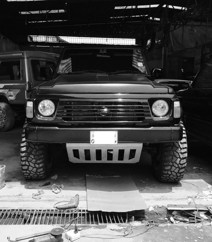 59 best nissan patrol y60 images on pinterest nissan patrol off road and offroad. Black Bedroom Furniture Sets. Home Design Ideas