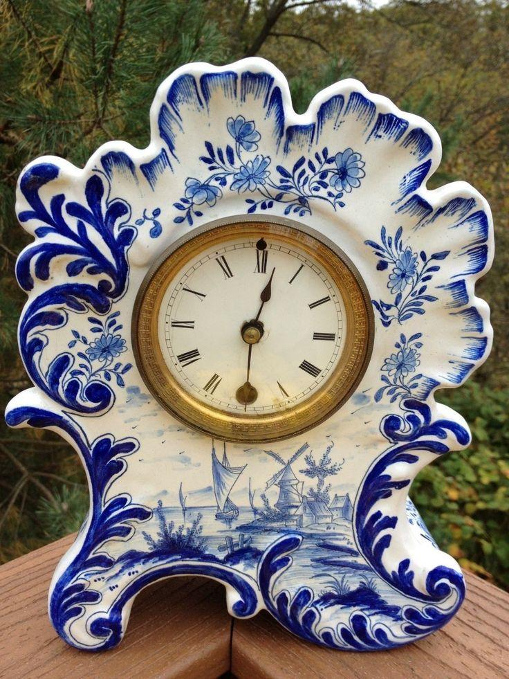 Relógio para cornija de lareira, faiança azul e branca. Produzido no século XVII, 1685, em Delft, Países Baixos, pelo mestre LC (Lambertus Cleffius).