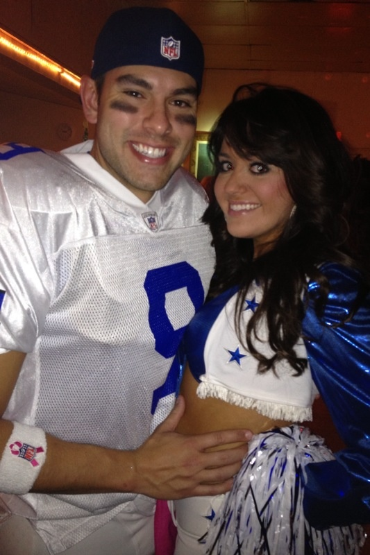 Dallas cowboys costume... TJ and I could rock this!! 2 months to get DCC ABS!