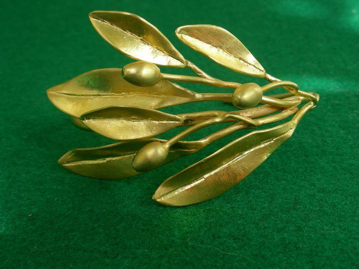 "Handmade goldplated bracelet ""Olive branch"" collection"