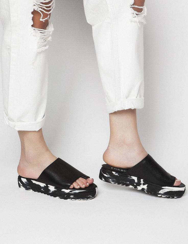 Mila Black Flatforms S/S 2015 #Fred #keepfred #shoes #collection #leather #fashion #style #new #women #trends #flatforms #black #sandals #white
