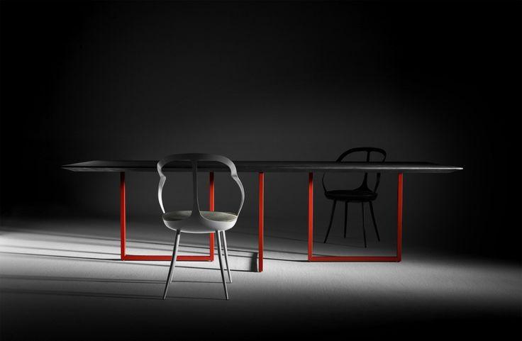 DRIADE Mollina chairs | Gazelle table