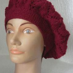 Béret femme en laine motifs point fantaisie ajouré coloris bordeaux/grenat  tricoté à la main