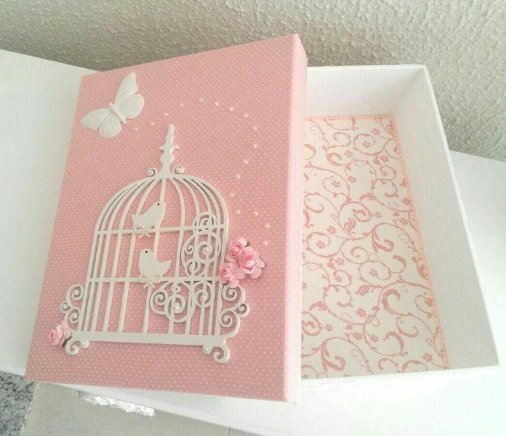 Caja romántica. Compose en colores rosa.