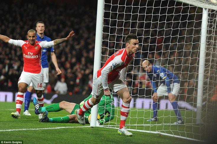 Arsenal 2-1 Leicester City: Koscielny and Walcott strike for Gunners #dailymail