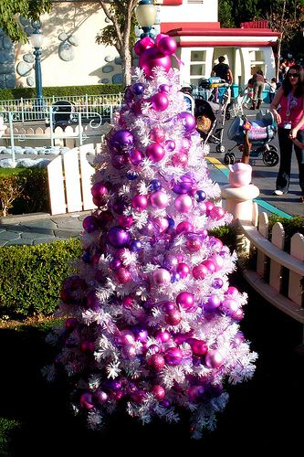 minnie mouse christmas tree my favorite things christmas purple christmas tree minnie. Black Bedroom Furniture Sets. Home Design Ideas