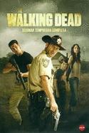 La aclamada serie original de AMC, está de regreso. Después de despertar y sobrevivir de un apocalipsis zombi, Rick y el resto de personajes se preparan para dejar Atlanta y llegar a Fort Benning.  Nuevos peligros acecharán cuando un miembro del grupo desaparece y otro es gravemente herido.  Llegarán hasta la granja de Hershel  Greene y su familia. Rick intenta que Hershel  les deje quedarse a vivir con ellos, pero la situación se complicará,  la granja no  es  el  lugar seguro  que pensaban…