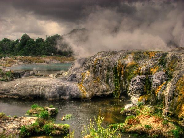 Wai-O-Tapu, NZ (Volcanic thermal lakes)