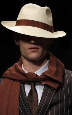 Si te gusta demostrar que tienes estilo, apuesta por un sombrero colocado de…