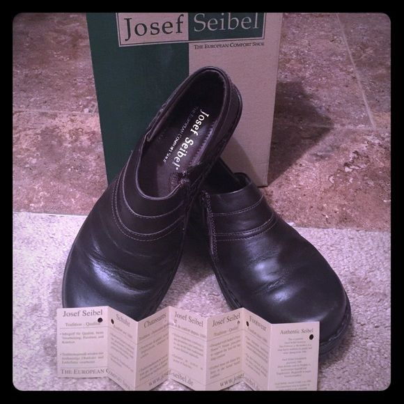 "JOSEF SEIBEL European Comfort Shoe Josef Seibel Josef Seibel shoes began in 1886 in a small German village. This family held Shoe Company is today run by later generations but with the same basic philosophies are followed. Premium quality in materials, the best workmanship, and comfort. These main principals have helped Josef Seibel shoes become world reknown as ""The European Comfort Shoe."" The shoes are known to greatly reduce or eliminate foot and leg fatigue. PRISTINE condition. Box says…"