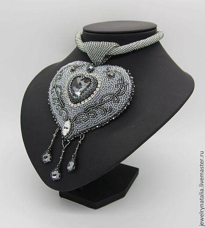 Кулон с сердцем Сваровски Black Diamond - серый,8 марта,подарок,японский бисер