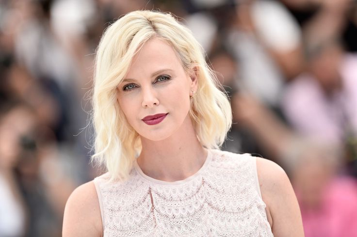 Charlize Theron recently sat down with Howard Stern on his SiriusXM show and got candid with the shock jock about her life and career.  The Oscar-winning actress shared her devastation over losing the role of Roxie Hart in Chicago — a part made famous by Renée Zellweger.  Chicago went on to win six Academy