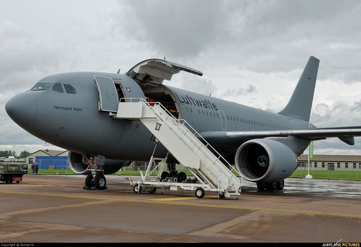 Airbus A310 MRTT Cargo