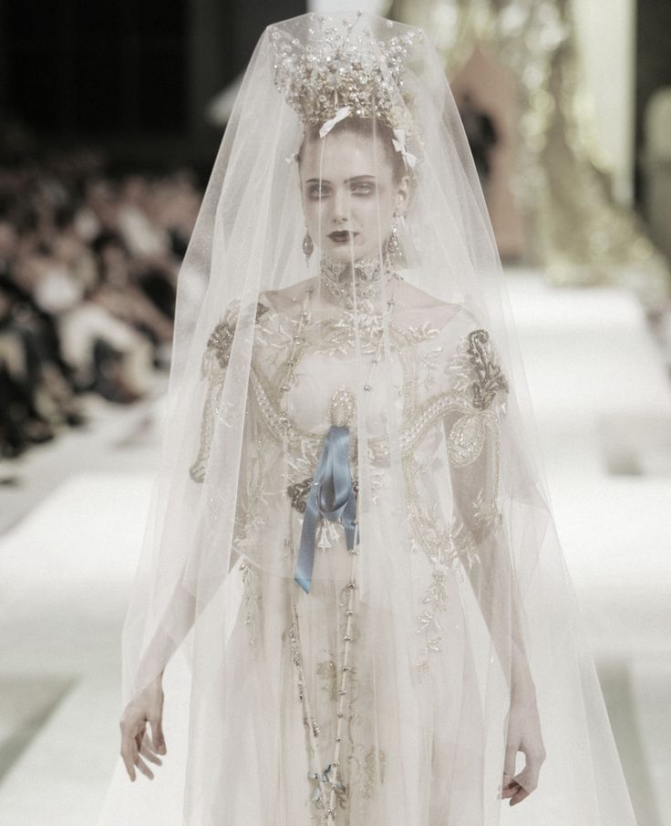 1000 images about christian lacroix on pinterest haute for To have and to haute dress