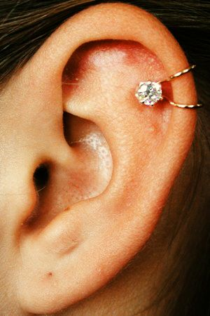 Pretty Cartilage Piercing. Trying to get the courage to get this done.