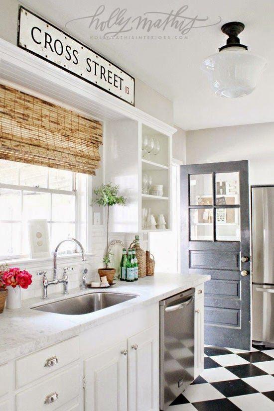 EN MI ESPACIO VITAL: Muebles Recuperados y Decoración Vintage: Una cocina blanca llena de detalles { A white kitchen full of details }