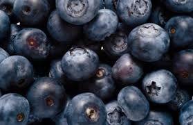 Arándanos :estos pequeños frutos de color azulado o rojizo, fruta con una gran cantidad de beneficios para la salud.