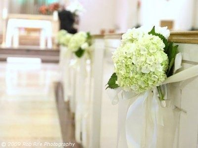 hydrangeas Wedding aisle flower décor, wedding ceremony flowers, pew flowers, wedding flowers, add pic source on comment and we will update it. www.myfloweraffair.com can create this beautiful wedding flower look.