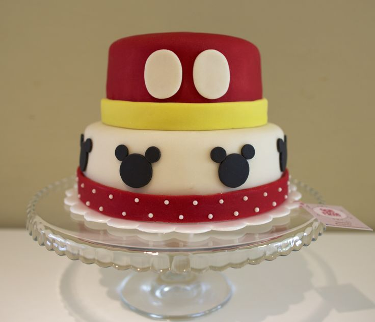 Mickey Mouse Cake. Que Ricos queques artesanales.