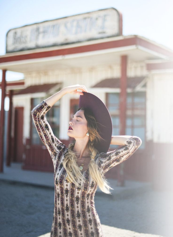 Quigley X Novella Royale – Officially Quigley, desert, photoshoot, gas station, vintage, run down, abandoned, hat, blogger, roadtrip, braids, ombre, maxi, vanessa mooney, style