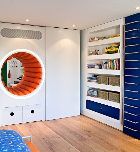 a secret tunnel connect two kids' rooms