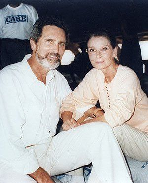 Robby Wolders and Audrey in Somalia, 1992. Copyright © UNICEF/Betty Press.