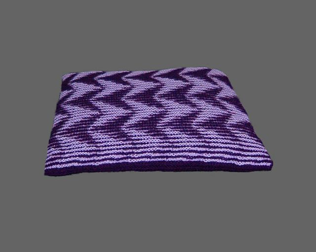 Confusion Illusion Chevrons - Illusion knitting cushion or wall-hanging