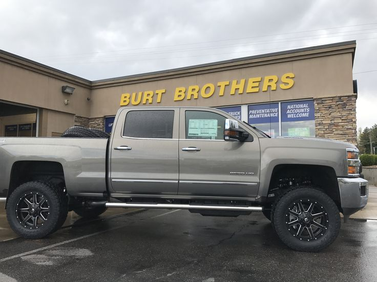 D Wheels Lift Stuff Dsc besides  additionally Rebuilt Trans Ford F Srw Crew Cab L Diesel Monster For Sale X together with Lifted Dually Imageuploadedbyautoguide moreover Maxresdefault. on lifted ford powerstroke diesel