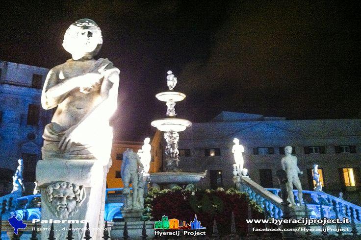"""#Palermo, Piazza Pretoria e Palazzo delle Aquile, spettacolo illuminotecnico """"Novena lucente"""". Il portale ufficiale del progetto 👉 www.hyeracijproject.it"""
