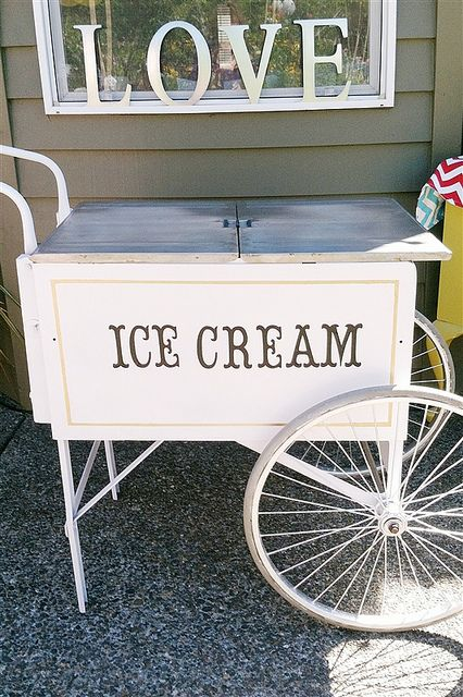 Ice Cream Cart also had a server dressed up to scoop out the ice cream!!! then there was a special toppings bar to deck your dessert out!