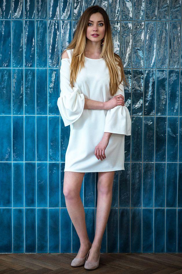 Sukienka z bufkami biała Cranberry - Cranberrysklep - Sukienki koktajlowe