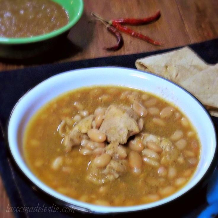 La cocina de Leslie    I think this is my new favorite recipe website! Champurrado, capirotada, mole, nopales, and so much more!!