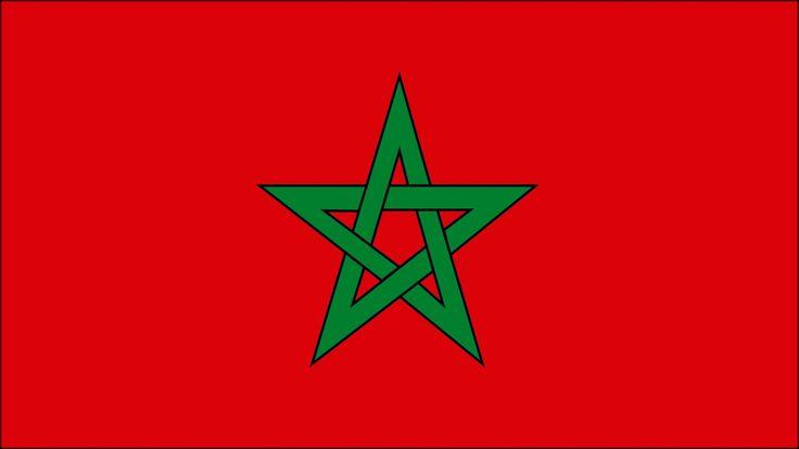 MARRUECOS. Al norte de África encontramos Marruecos, con capital en Rabat. En su bandera, el fondo es rojo, color de los descendientes de Mahoma, y la estrella de cinco puntas es el Sello de Salomón.