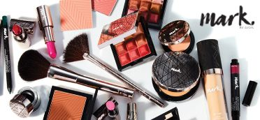 Dare to push the boundaries with the mark. By Avon curated collection of customizable palettes and high-performance products! #AvonRep