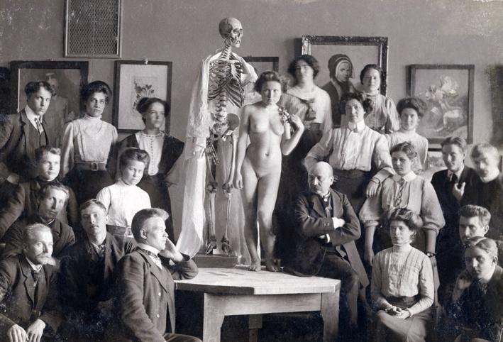 Victor Westerholm (1860-1919) with his students at Turku Drawing School in Turku Art Museum c. 1908.