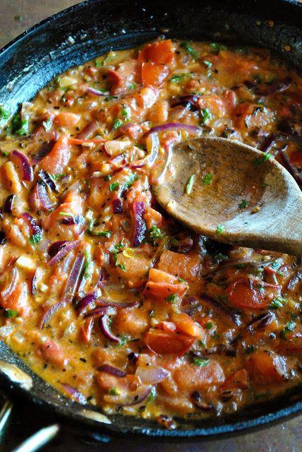 Easy vegan tomato cream sauce (gluten free).  RECIPE: http://www.vegansandra.com/2017/03/easy-tomato-cream-sauce-gluten-free.html