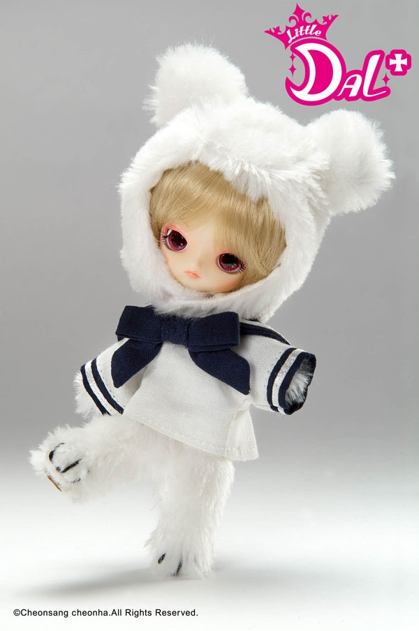 This Little Dal+ Jouet was first released during the Doll carnival in 2007. It's of Dal as her cute teddy bear Jouet. It really does compliment the full size Dal Joliet doll. #pullip #dal #jouet #jolie