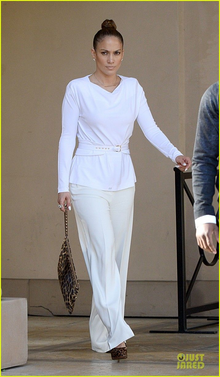 Jennifer Lopez is dressed to impress while grabbing a bite to eat with her manager Benny Medina at Bouchon