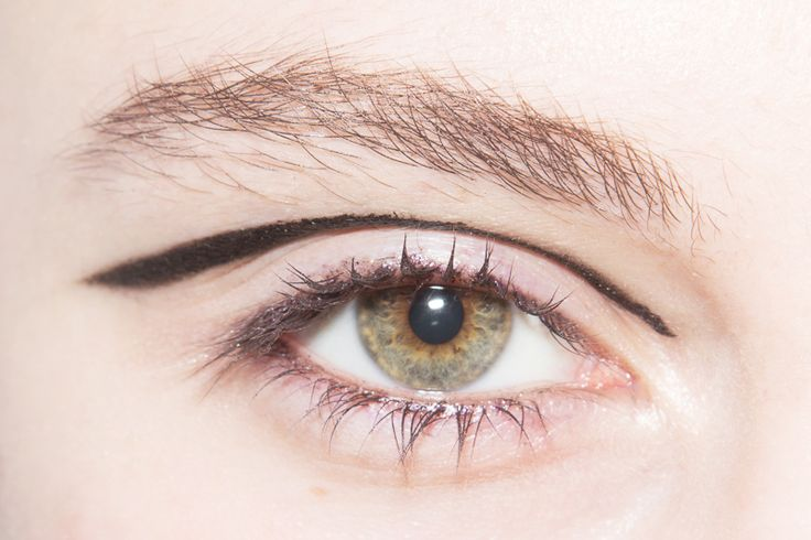 how to make green eyes look greener