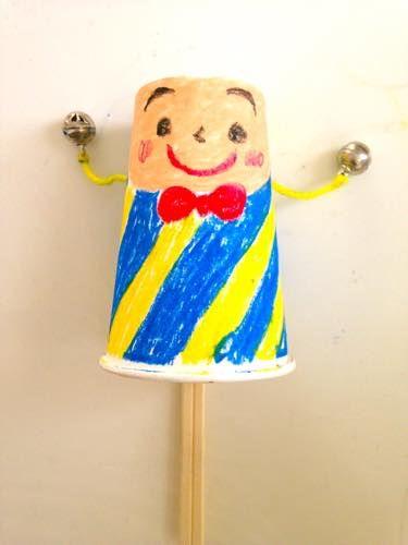 紙コップのでんでん太鼓♪ 幼児向け工作の参考
