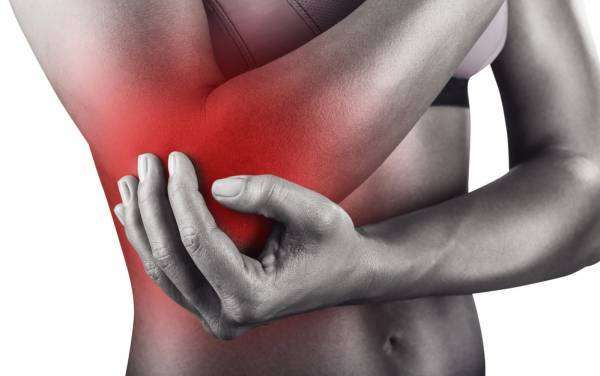 Discover the best tennis elbow remedies to help you beat pain and reduce inflammation. Don't let your elbow pain go untreated! #tenniselbow #pain #arm