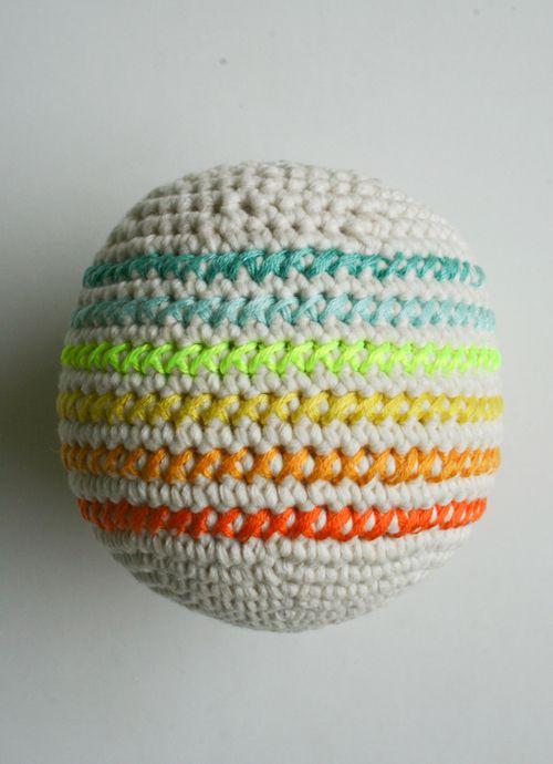 Knitting Embroidery Bordado : Best crochet bordado embroidery images on pinterest