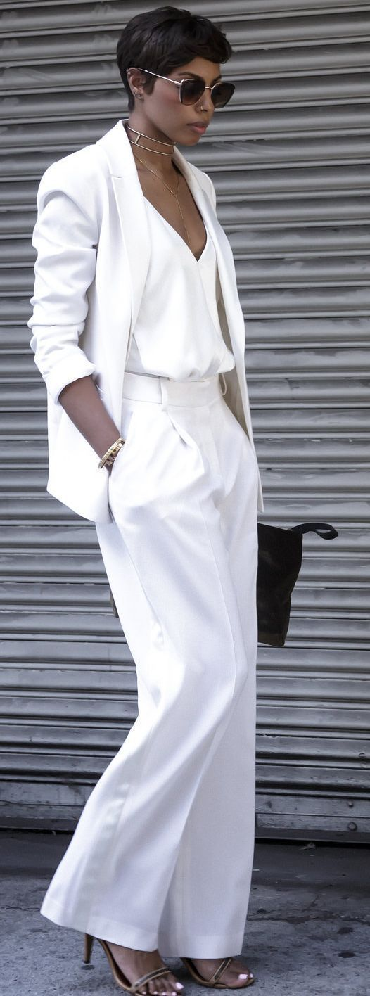 Bambis Armmoire High End Power White Suit Fall Street Style Inspo - Fall-Winter 2017 - 2018 Street Style Fashion Looks