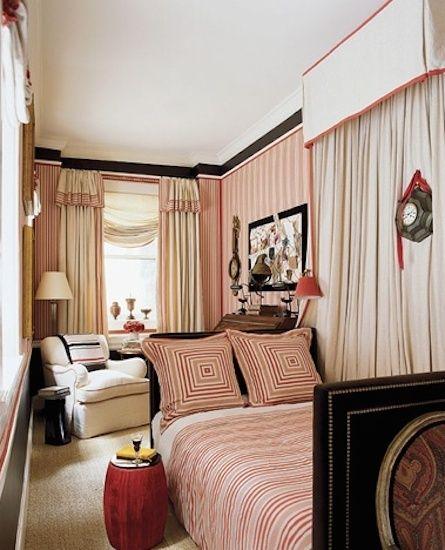 Фотография: Спальня в стиле Восточный, Эклектика, Интерьер комнат, узкое помещение, узкая спальня, интересные решения для интерьера, узкая комната – фото на InMyRoom.ru