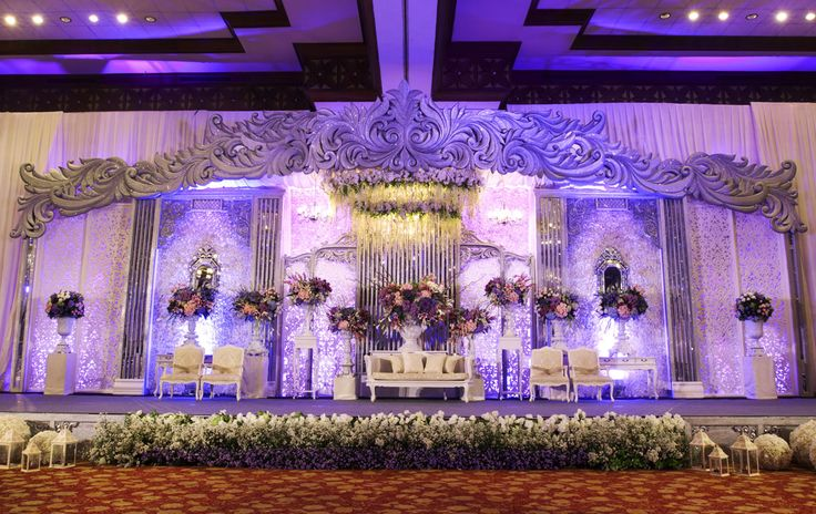 Silver Rhythm Contempo #mawarprada #dekorasi #pernikahan #glamour #purple # silver #chic #pelaminan #wedding #decoration #jakarta more info: T.0817 015 0406 E. info@mawarprada.com www.mawarprada.com