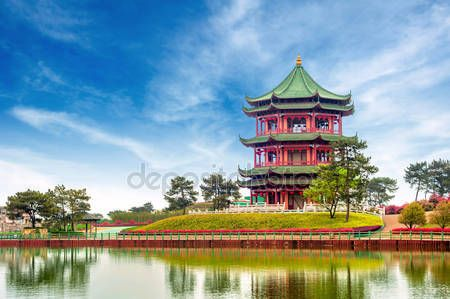 Download - Chinese ancient buildings: garden. — Stock Image #15329585