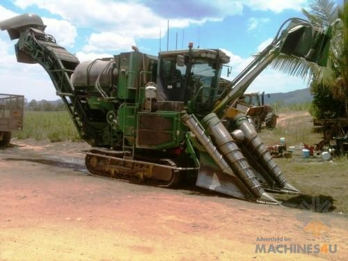 3520 JOHN DEERE cane harvester - http://www.machines4u.com.au/browse/Farm-Machinery/Headers-Harvesters-42/Cane-Harvesters-3542/