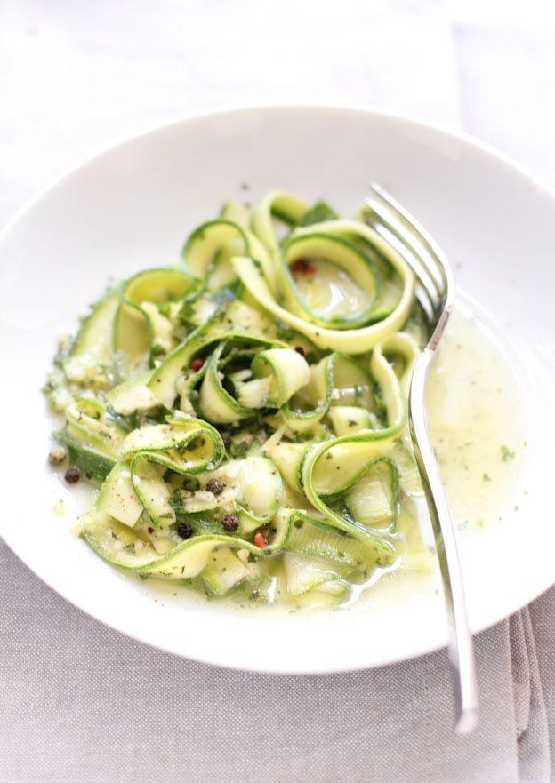 """""""Tagliatelle"""" di zucchine marinate"""